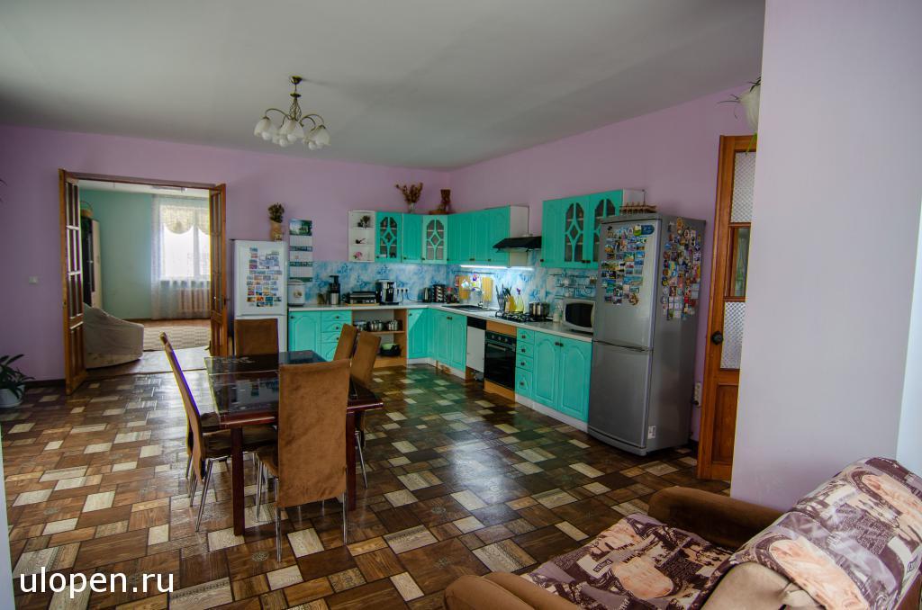 Кухня-столовая. Продам дом, Симферополь.